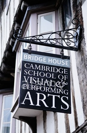 Du học Anh - Tại sao chọn Cambridge School of Visual & Performing Arts?